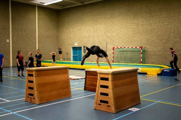divekong freerunning flexbeweging